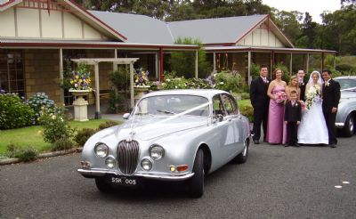 Why You Should Hire Vintage Wedding Cars For Your Big Day