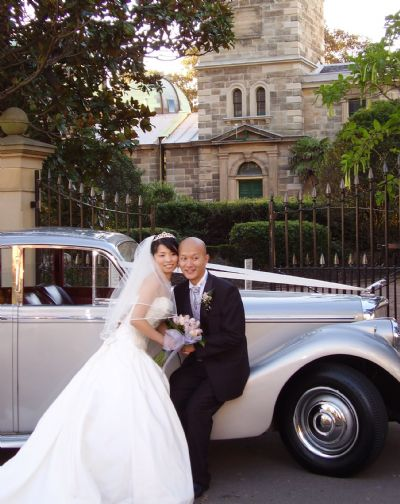 Olympus 010 - Why You Should Hire Vintage Wedding Cars For Your Big Day
